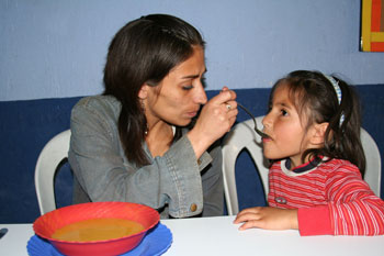 paola-lorena-mother-and-daughter