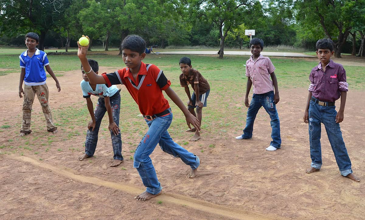 Traditional Game in India: Seven Stones Team