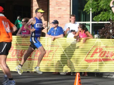 runner competing in race