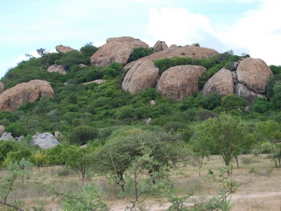 picture of a rocky hill