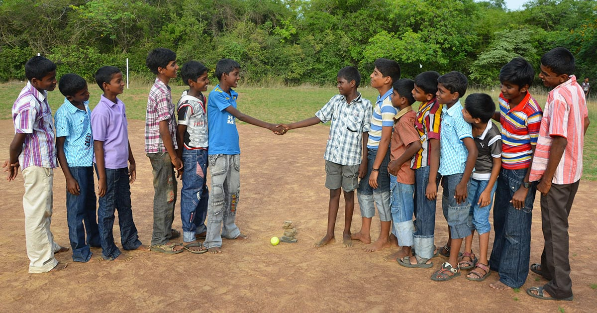 traditional-game-in-india-seven-stones-handshake.jpg