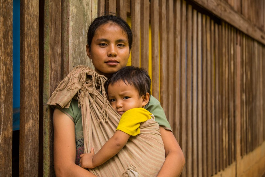 How to Encourage a Mother in Poverty
