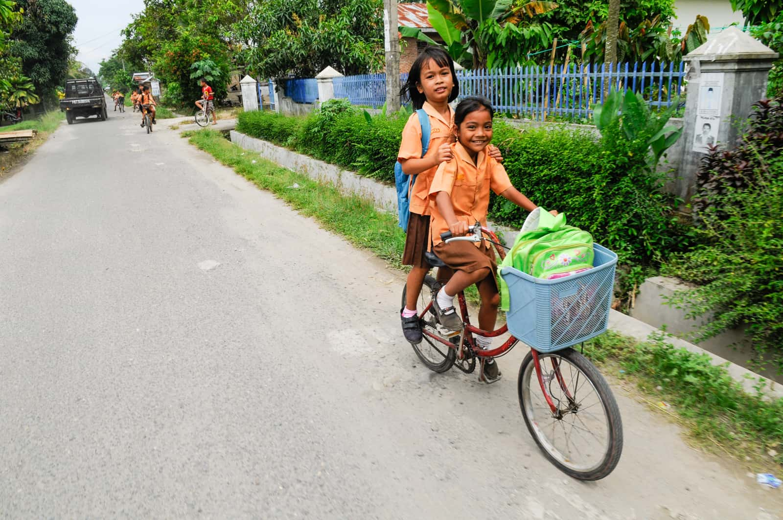 15 Out-of-the-Ordinary Journeys to School