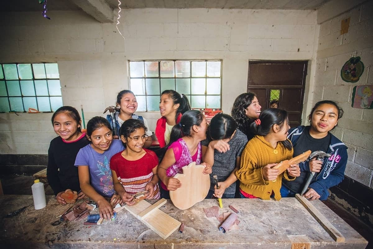 Lucerito and the girls in her town Have The Best Tools To Build furniture and Her Bright Future